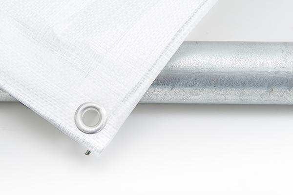 Gerüstplane in weiß mit Ösen passend für die üblichen Gerüstbreiten
