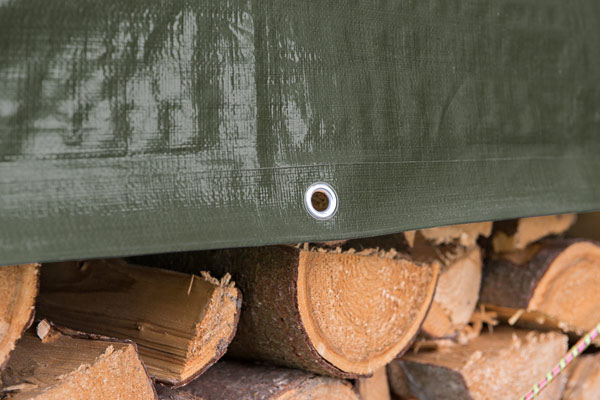Holzabdeckplane grün mit Ösen 210 g/m²
