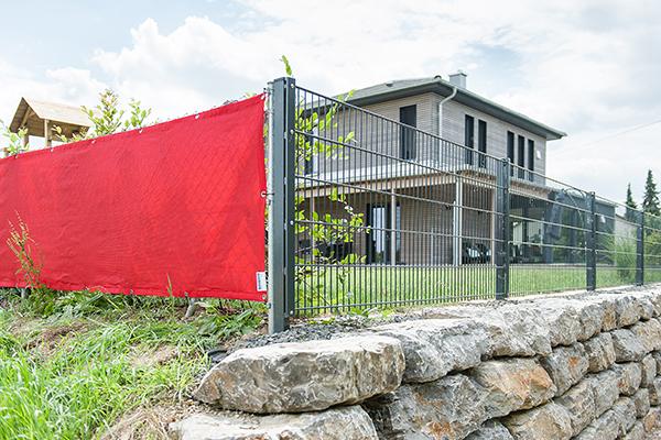 windschutznetz mit sen nach ma ihre abmessungen mit saum und sen. Black Bedroom Furniture Sets. Home Design Ideas