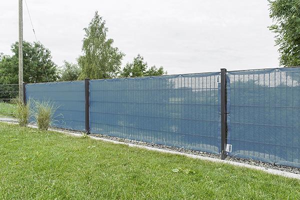 windschutznetz mit 65 prozent windschutzwert f r hohe windlast. Black Bedroom Furniture Sets. Home Design Ideas
