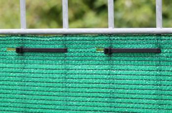 Befestigung Windschutznetz am Stabmattenzaun
