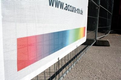 bedruckte Bauzaunbanner - Farbverlauf und vollflächiger Druck möglich